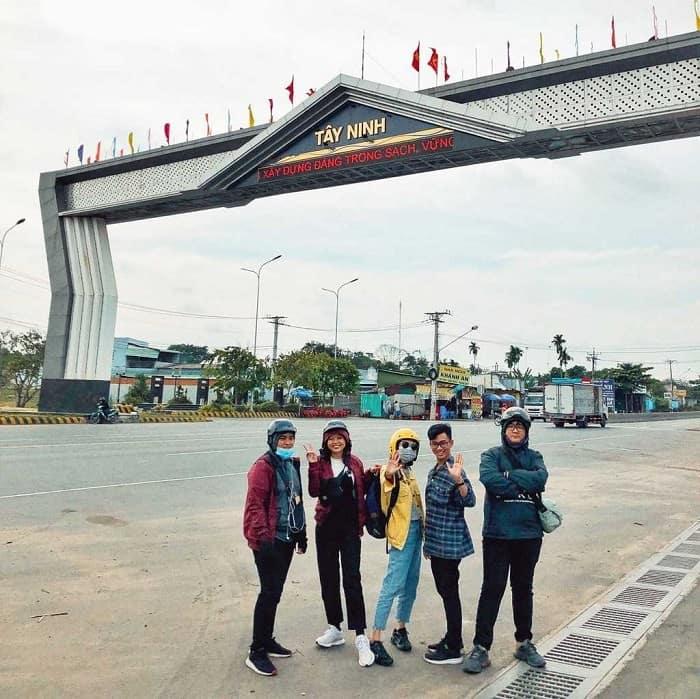 Thue Xe 7 Cho Di Tay Ninh 2