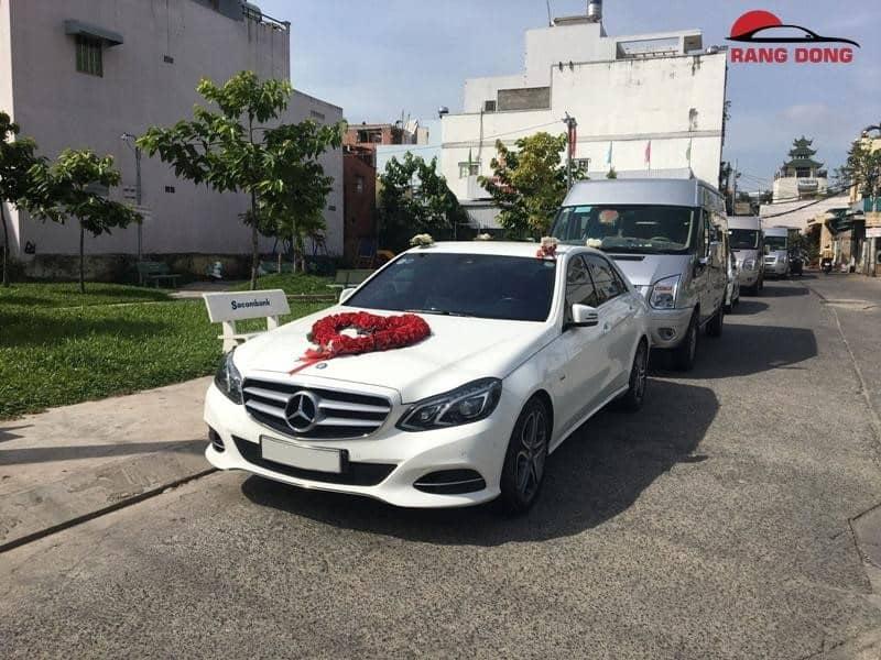 Thuê xe cưới Mercedes