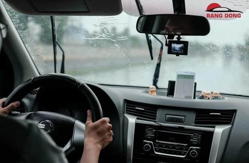 thuê xe tự lái dĩ an bình dương