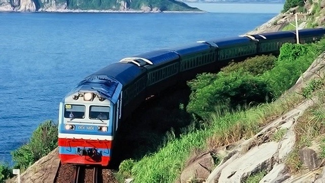 Có thể lựa chọn đi du lịch Phan Thiết – Mũi Né bằng tàu hỏa
