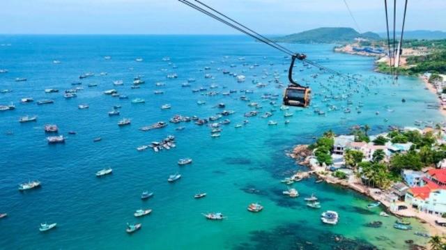 Khi nói đến các bãi biển đẹp vào khoảng tháng 12, đảo Phú Quốc là một trong những cái tên đầu tiên nằm trong danh sách
