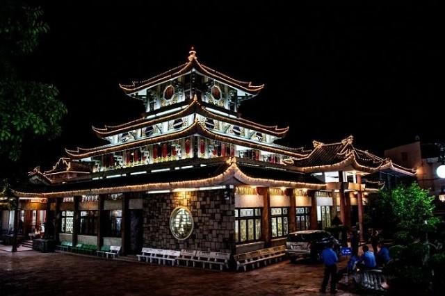 Không chỉ là một di tích lịch sử mà núi bà Châu Đốc còn là một điểm đến tâm linh thu hút hàng ngàn lượt ghé thăm mỗi năm